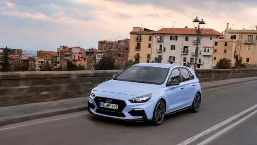 """Hyundai i30 N vence nos prémios """"Carro Desportivo do Ano 2018"""" da Auto Bild"""