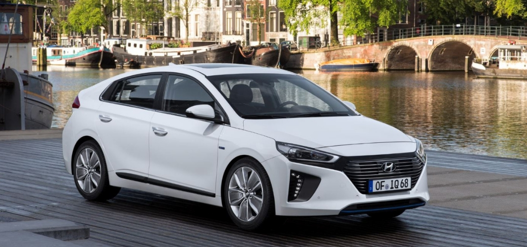 Hyundai IONIQ branco