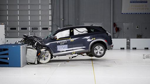 Hyundai NEXO: primeiro modelo a hidrogénio a ser testado pelo IIHS
