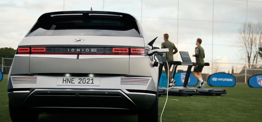 Hyundai treina com Atlético de Madrid